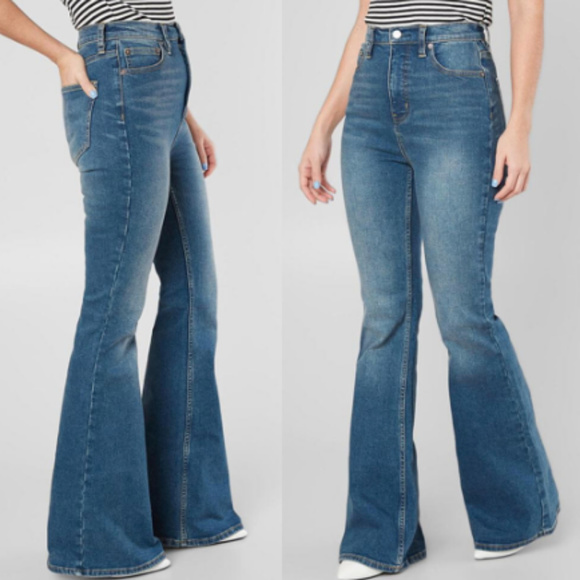 NWT FREE PEOPLE Women/'s Dallas Blue Stretch Mid-Rise Flare Jeans 26 27 29